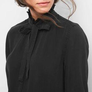 Gap ruffle bow tie neck black button top shirt M